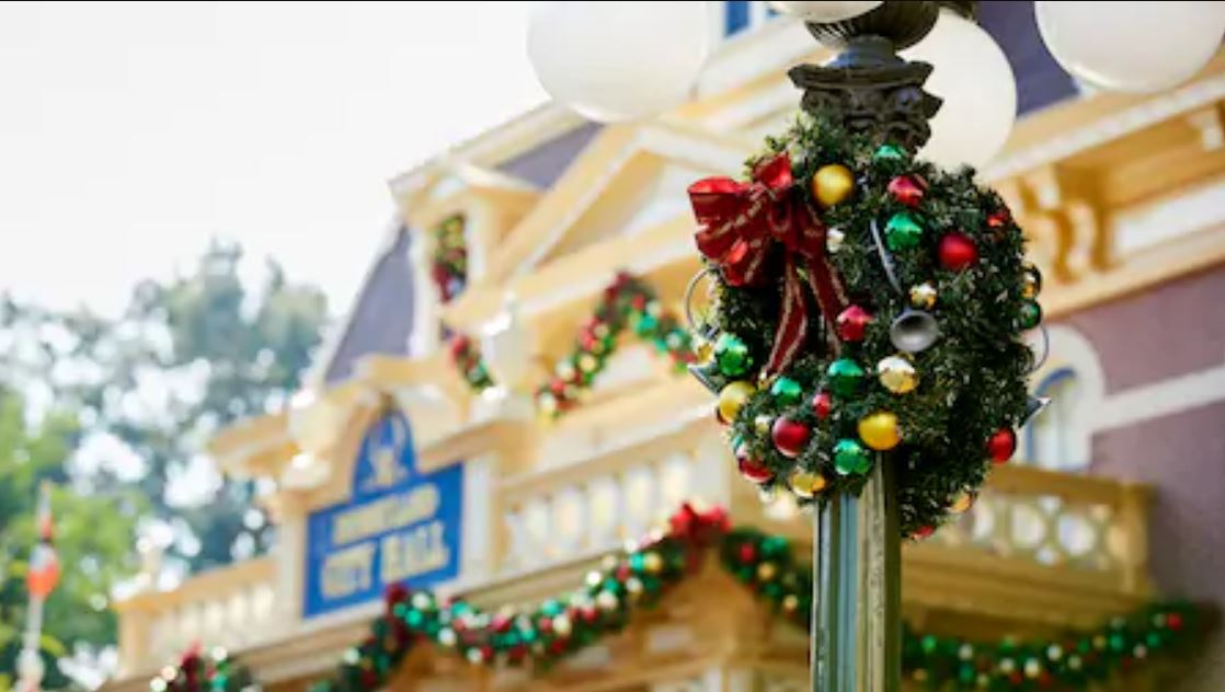 disneyland main street california noel
